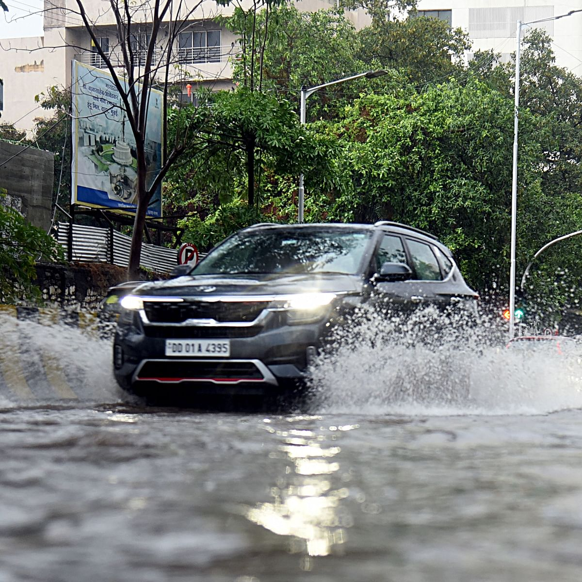 Mumbai Rains: From diverted BEST bus routes and traffic snarls to airport traffic and local train status - Click here for latest updates