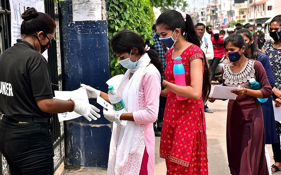 Mumbai: Students demand cancellation of CBSE Class 12 exams
