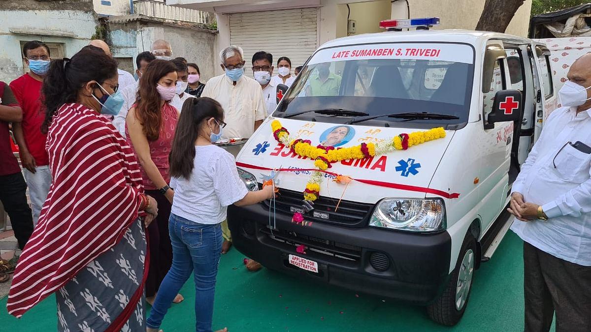 Daman Deputy Collector Charmi Parekh handed over an ambulance on behalf of late Sumanben Sureshbhai Trivedi family