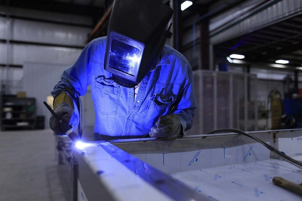 Industrial production output shrinks by 8.6% in FY 2020-21
