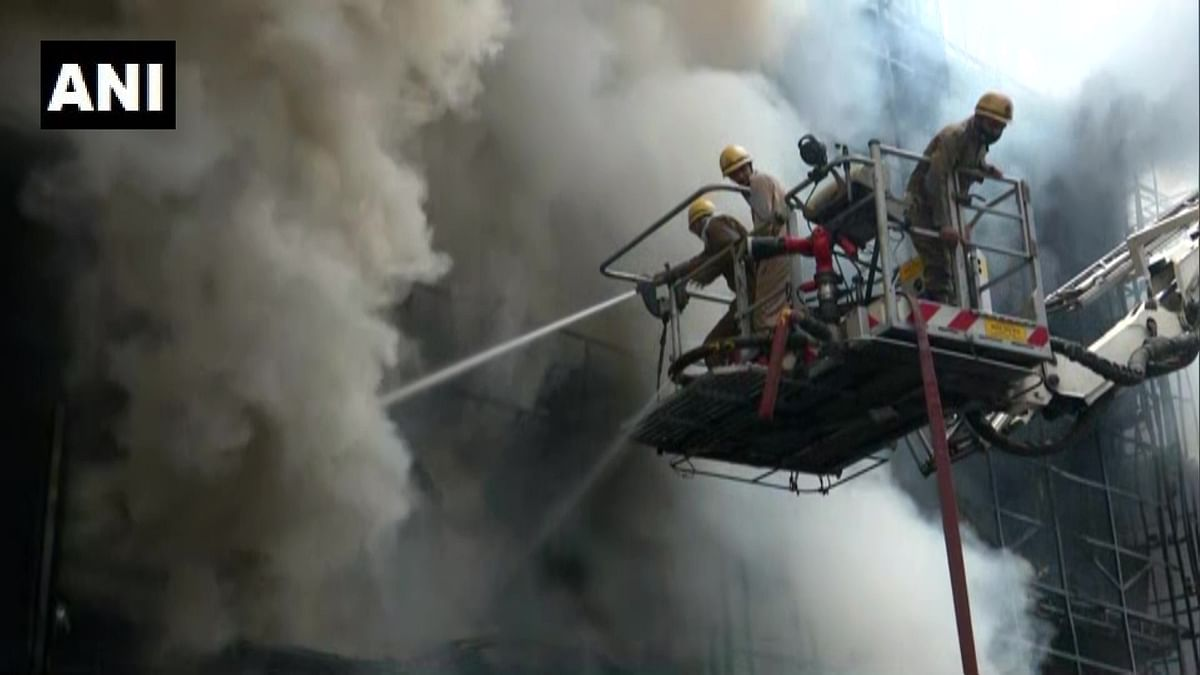 Major fire breaks out at Delhi's Lajpat Nagar market; 30 fire tenders at spot