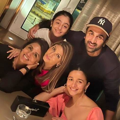 Neetu Kapoor shares family picture featuring Ranbir Kapoor and Alia Bhatt, calls them her 'world'