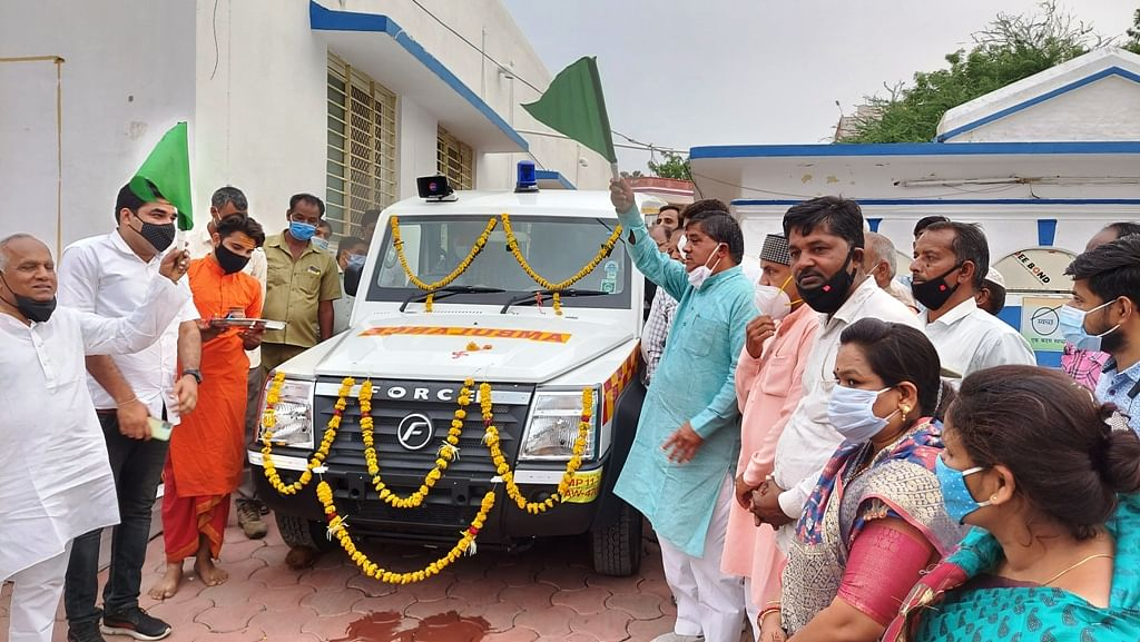Madhya Pradesh: Ambulance flagged off, plantation held in Mahidpur to mark Dr SP Mukherjee death anniversary