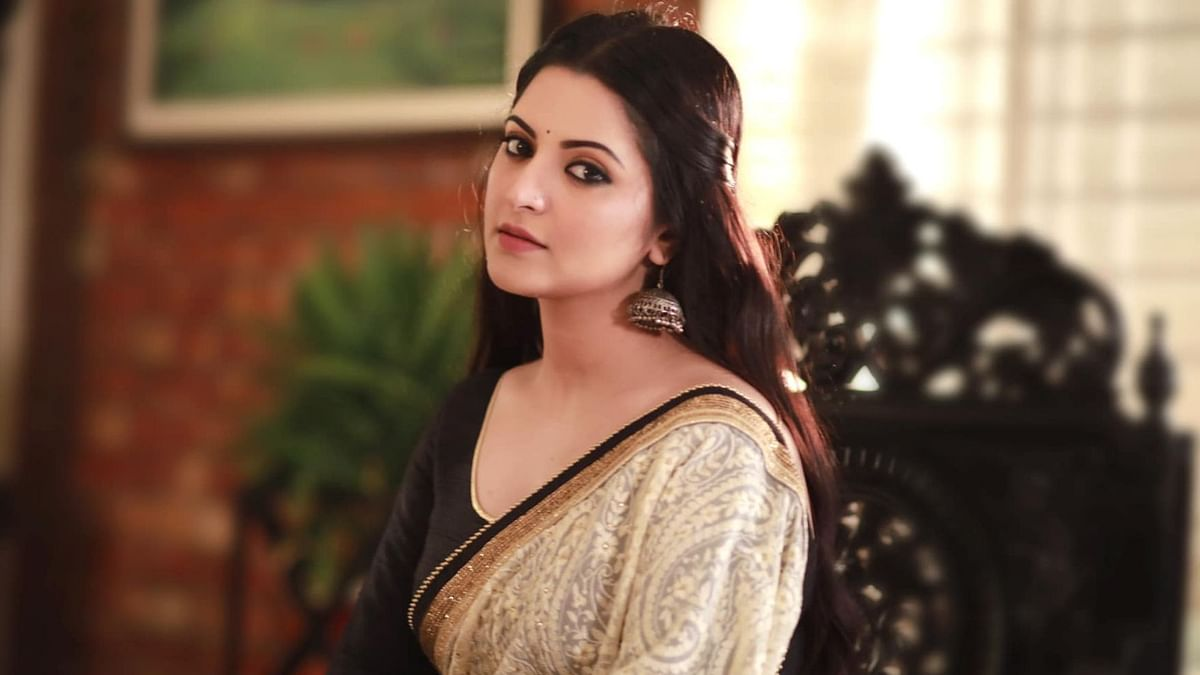 Bangladeshi actress Pori Moni who alleged rape and murder by businessman,  held by anti-terror force