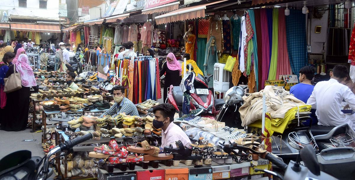 Indore: After a gap of almost two months, markets in the city reopen to poor customer response