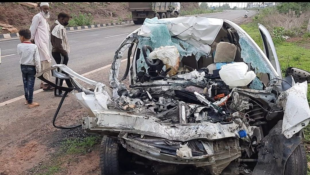 Madhya Pradesh: Three persons including a couple from Ujjain killed in road mishap in Raisen district