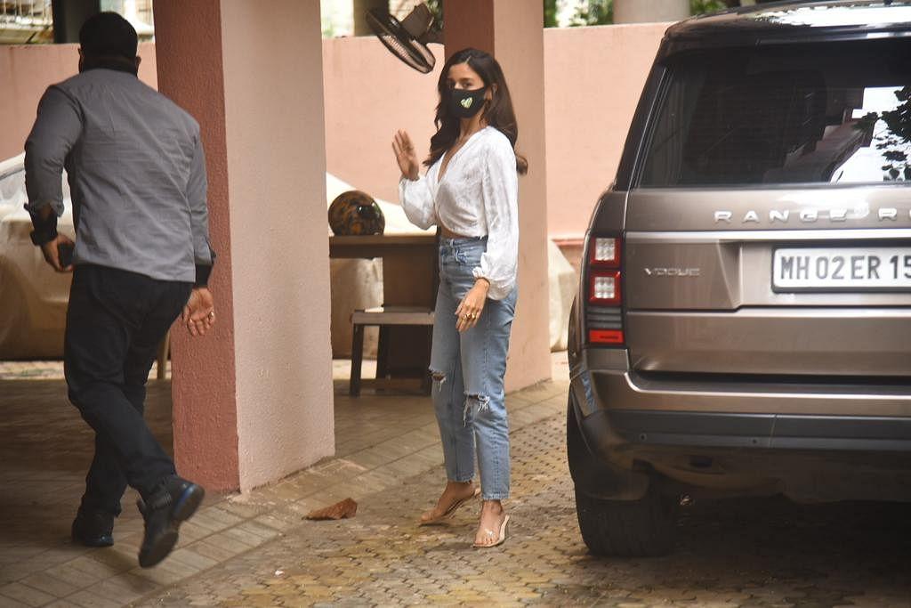 Paparazzi Files: Alia Bhatt spotted at Sanjay Leela Bhansali's office; Janhvi and Khushi Kapoor arrive at Pilates class in Mumbai