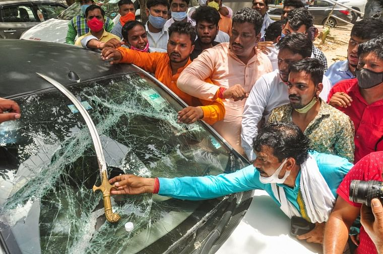 BJP workers, farm law protesters clash in Ghazipur at Delhi-Uttar Pradesh border