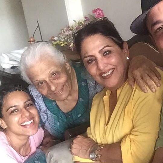 'Ek Hazaaron Mein...' actor Tarla Joshi passes away; Nia Sharma, Krystle D'souza pay tribute