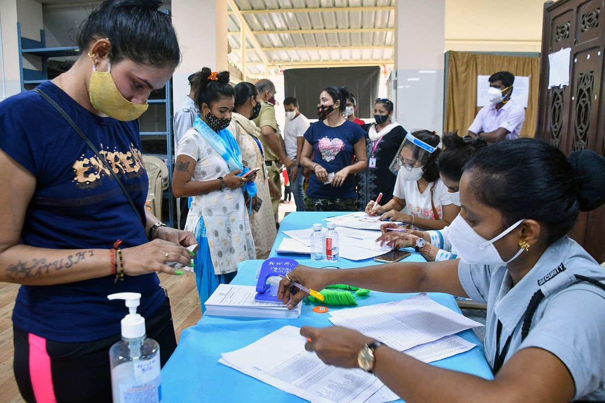 Maharashtra, June 28 (ANI): Sex workers register themselves to get a dose of the COVID-19 vaccine at Parel, in Mumbai on Monday.