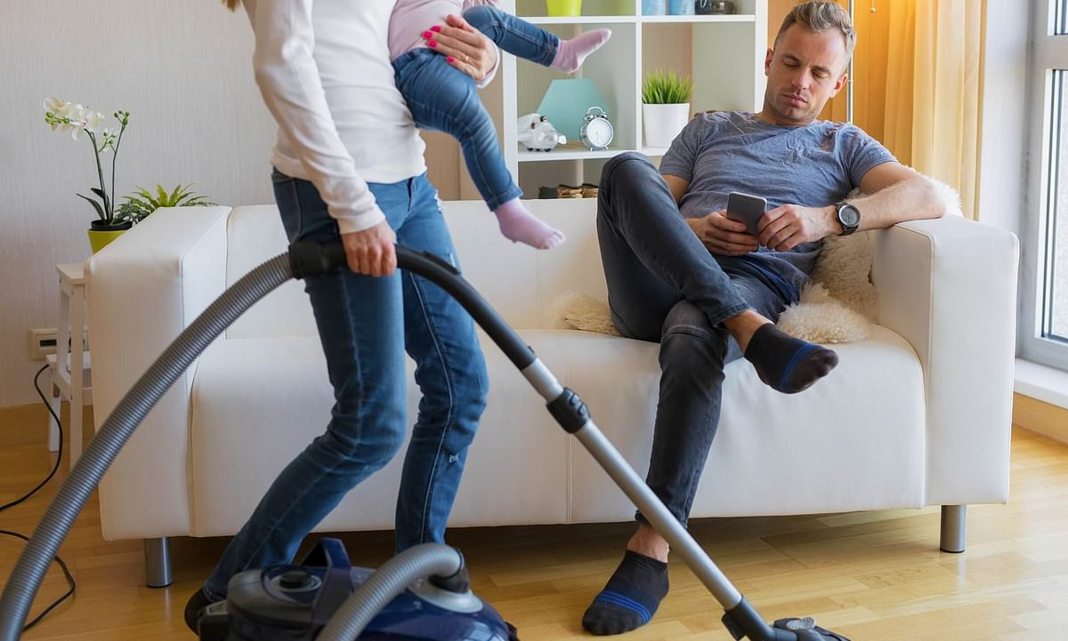 Married men earning more, less helpful with domestic chores, finds a survey