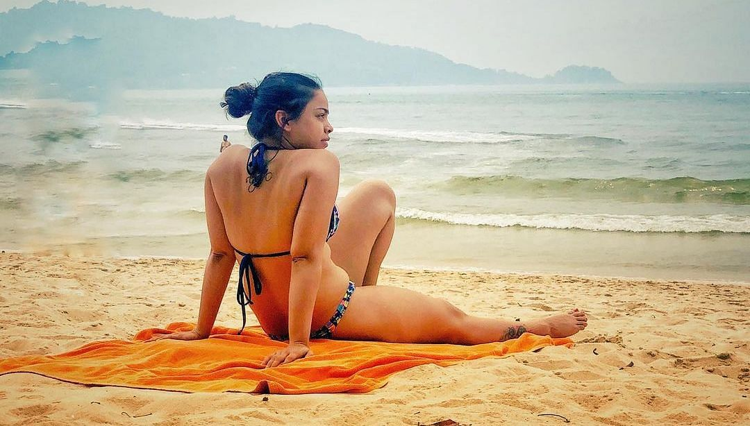 Sumona Chakravarti Birthday Special: Hot and sexy pictures of the Bong babe