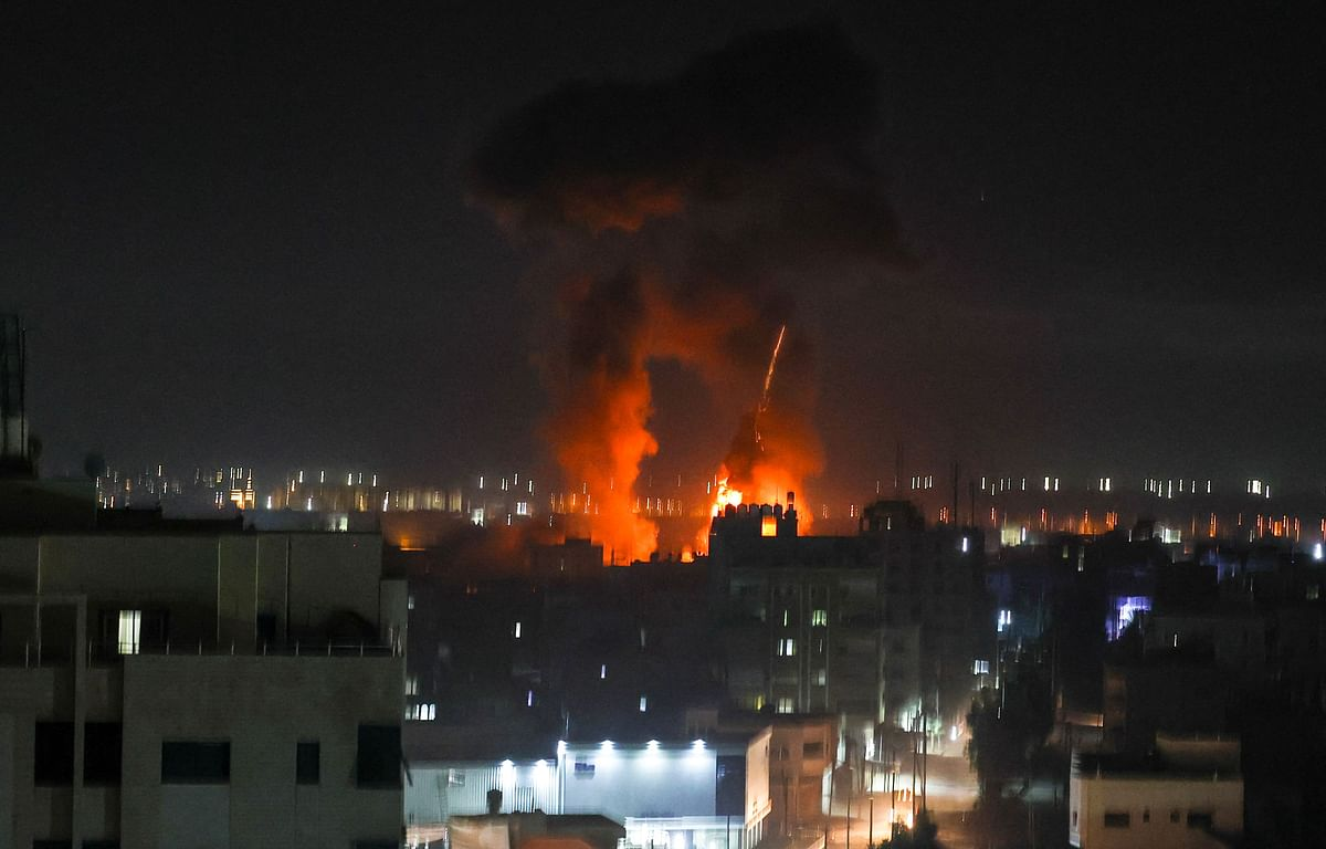 Weeks after cease-fire, Israeli airstrikes target Gaza sites in response to incendiary balloons