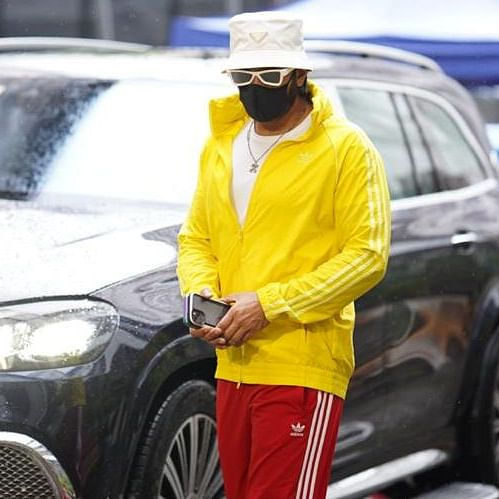 Ranveer Singh spotted driving a swanky new Mercedes Maybach GLS worth Rs 2.5 crore