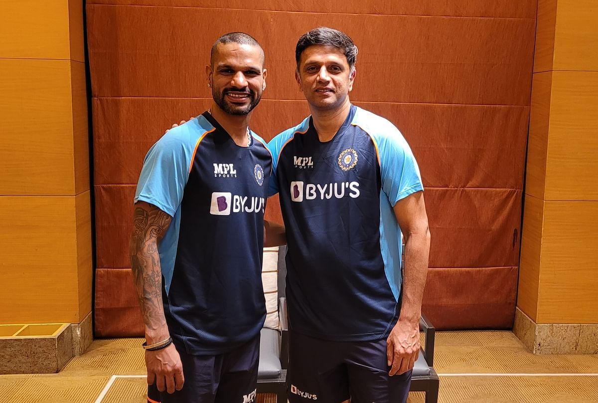Shikhar Dhawan (L) and Rahul Dravid