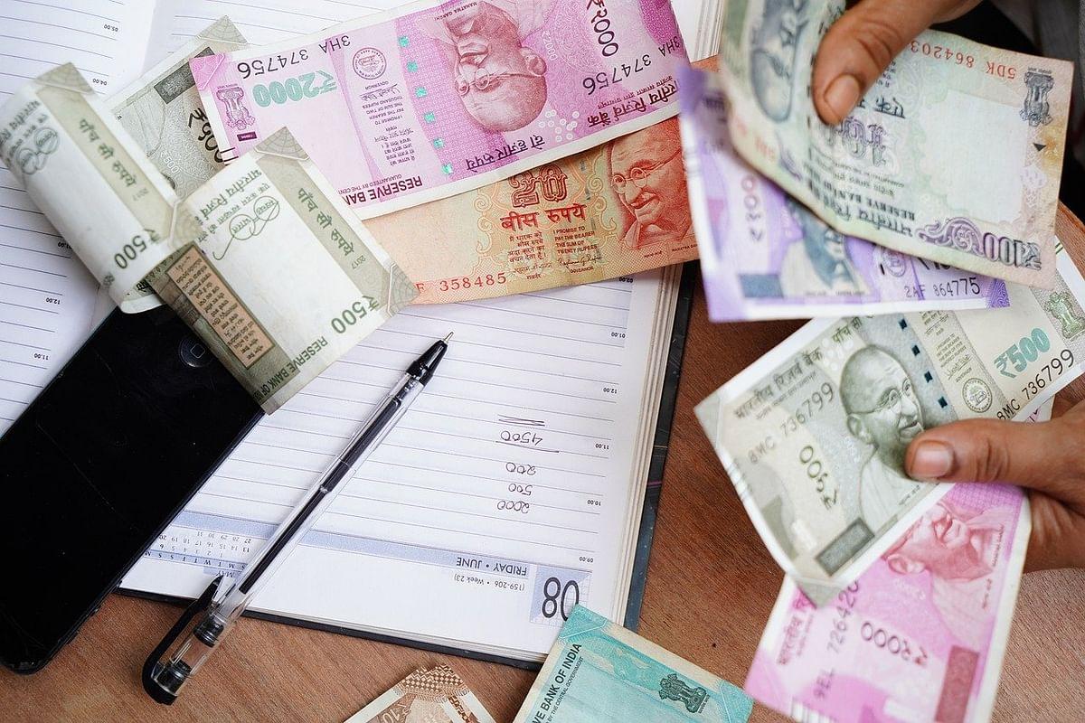Navi Mumbai: Village development officer, staffer held for accepting Rs 95,000 bribe in Panvel