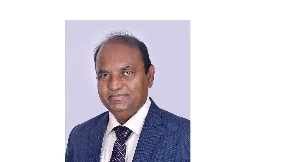 MAHATRANSCO CMD, Dinesh Waghmare bags Greentech Leading Director Award