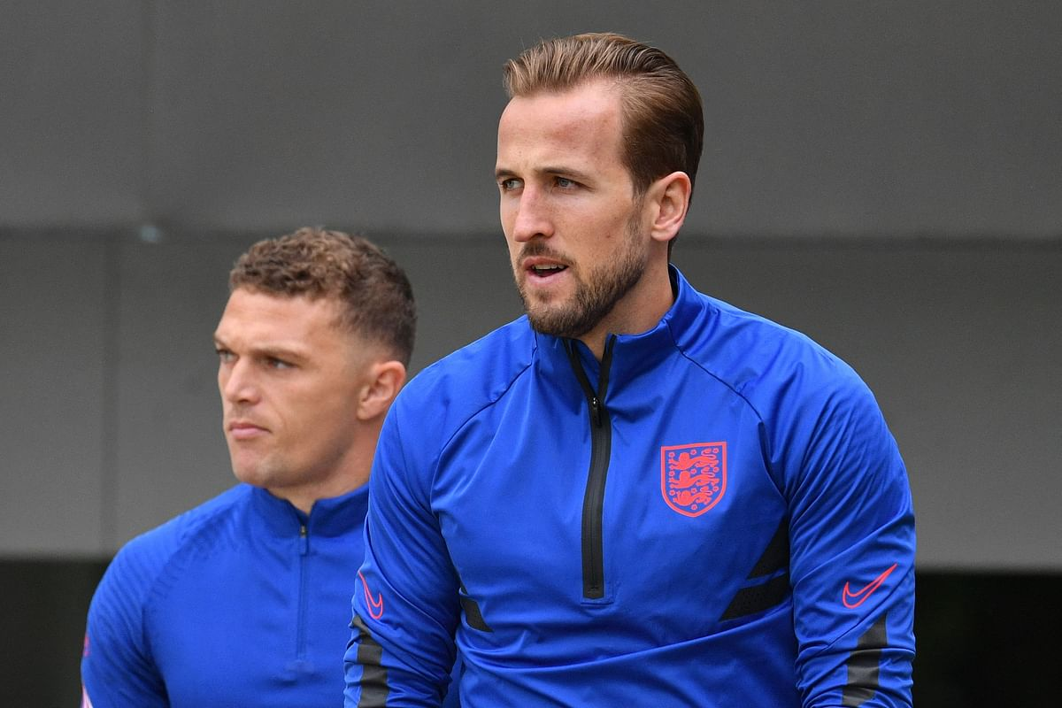 England's forward Harry Kane (R) and England's defender Kieran Trippier during the training