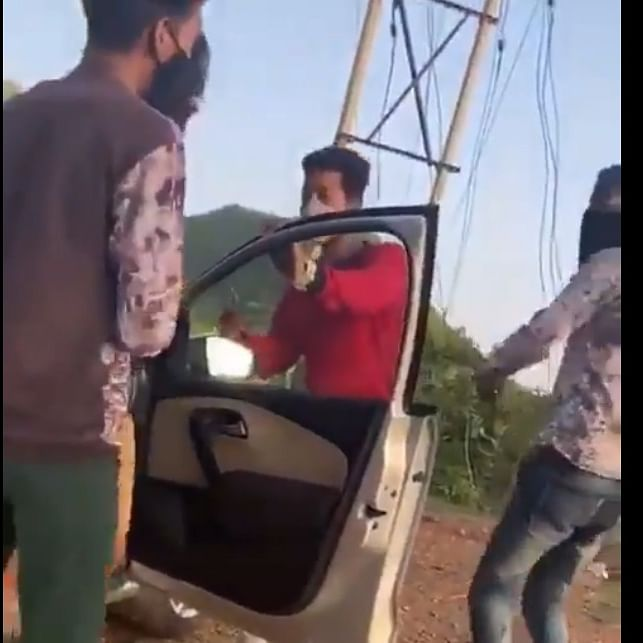 Rajasthan: Three locals loot two tourists at knifepoint in Udaipur; watch video