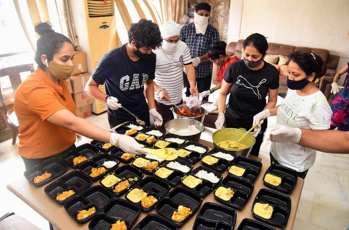 Angels of Mumbai: Versova resident helps Covid-affected families with free meals