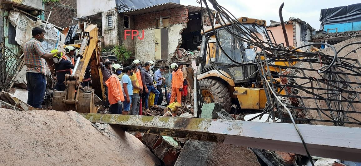Malad building collapse: Maharashtra govt announces ₹5 lakh assistance to kin of deceased