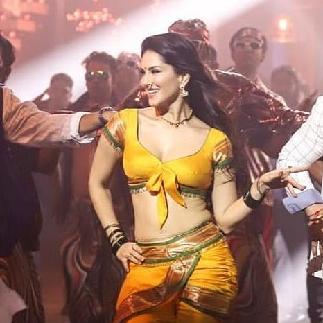 Sunny Leone turns sexy 'Shantabai' for Marathi film 'Aamdar Nivas'