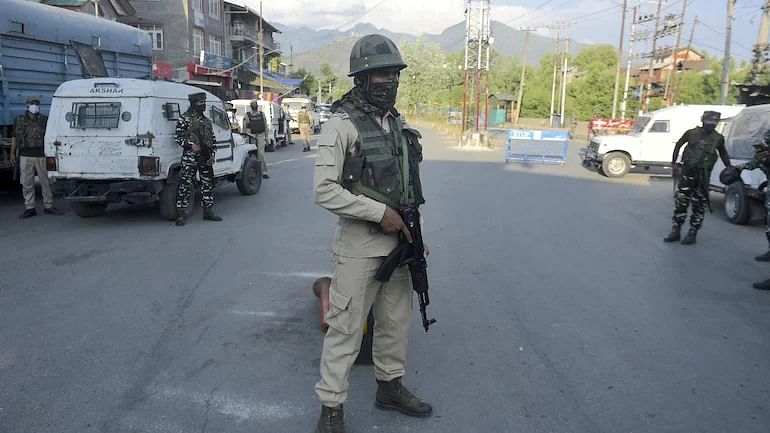 Jammu and Kashmir: Top LeT commander, Pakistani terrorist killed in encounter with security forces in Srinagar