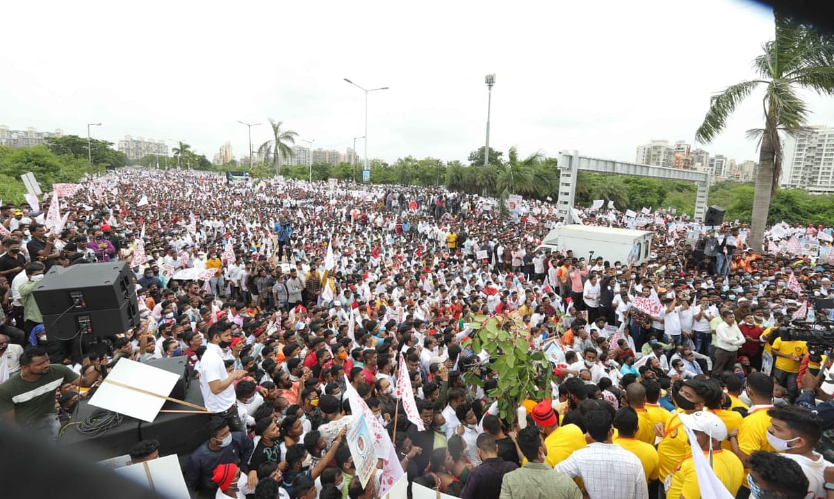 Hundreds of villagers protested at Belapur on Thursday