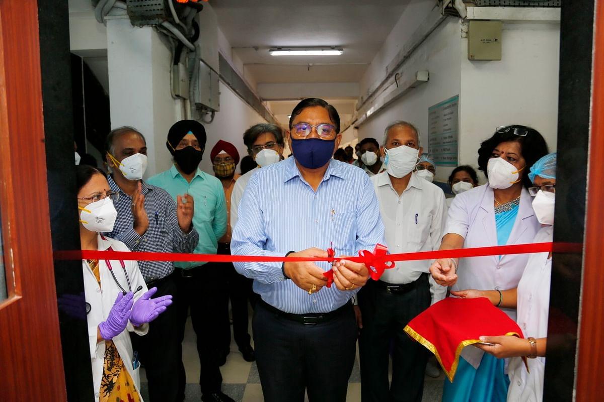 Central Railway GM Alok Kansal inspects Bharat Ratna Dr. Babasaheb Ambedkar Memorial Railway Hospital in Byculla