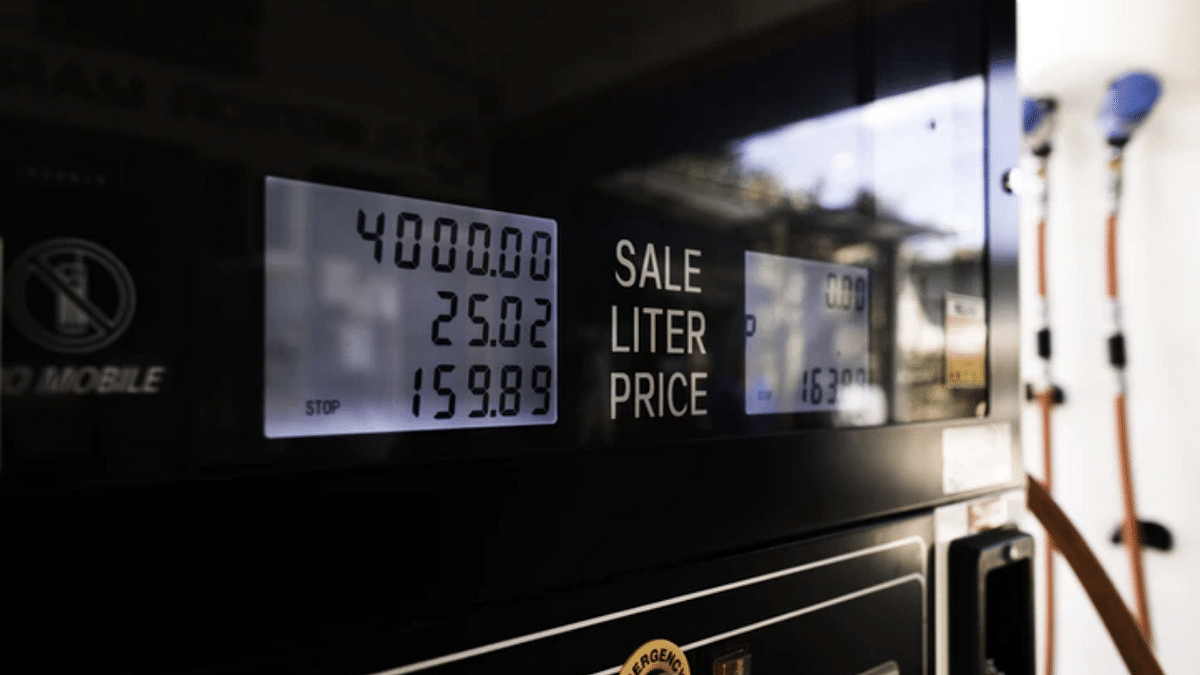 'Might cross share price of ITC...': Citizens worry as fuel prices in India continue to soar along with shrinking income