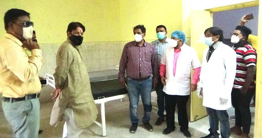 Nagda: Legislator visits Bima Hospital in view of third possible Covid wave, asks officials to complete work