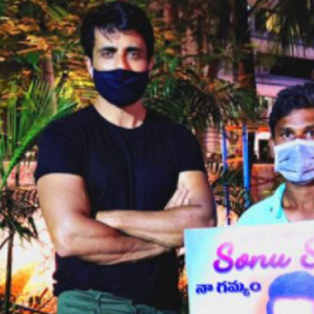 Sonu Sood meets another fan who walked from Hyderabad to Mumbai, urges people not to risk their lives by doing this