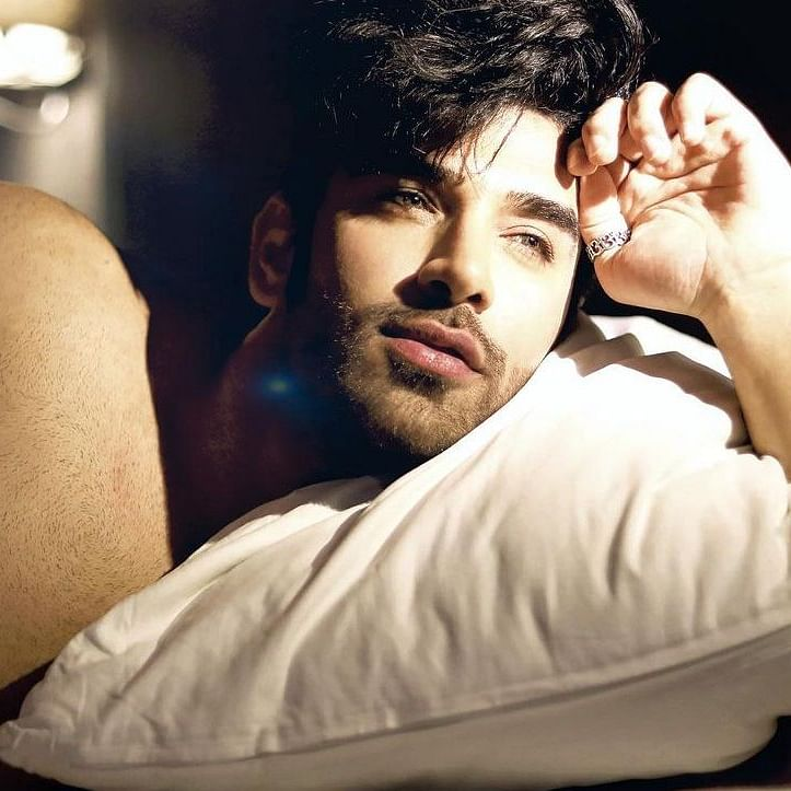 Check out Paras Chhabra's response when asked about playing a gay role