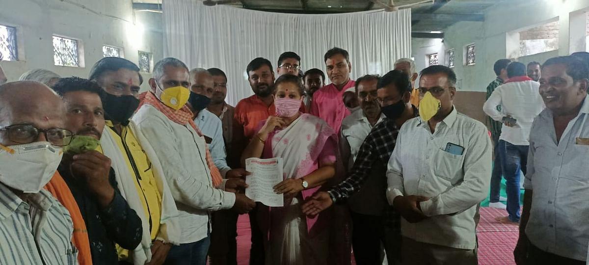 Madhya Pradesh: In Bagli village of Dewas district farmers demand inclusion of all villages under irrigation scheme