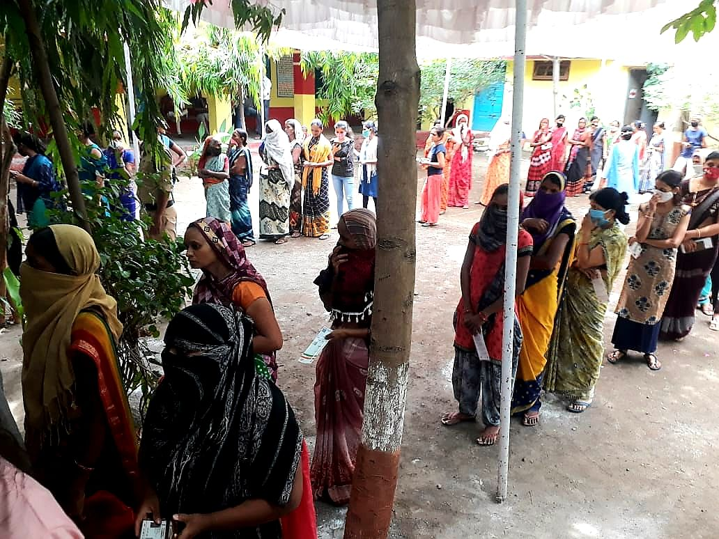 Vaccination in Khetia