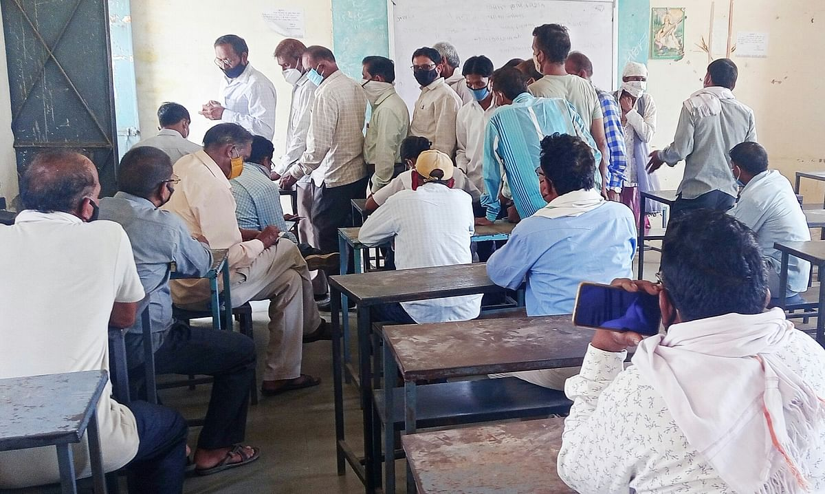 Only 298 people who are above 45 years of age have been vaccinated in 16 days while only one received second dose in Gandhwani tehsil