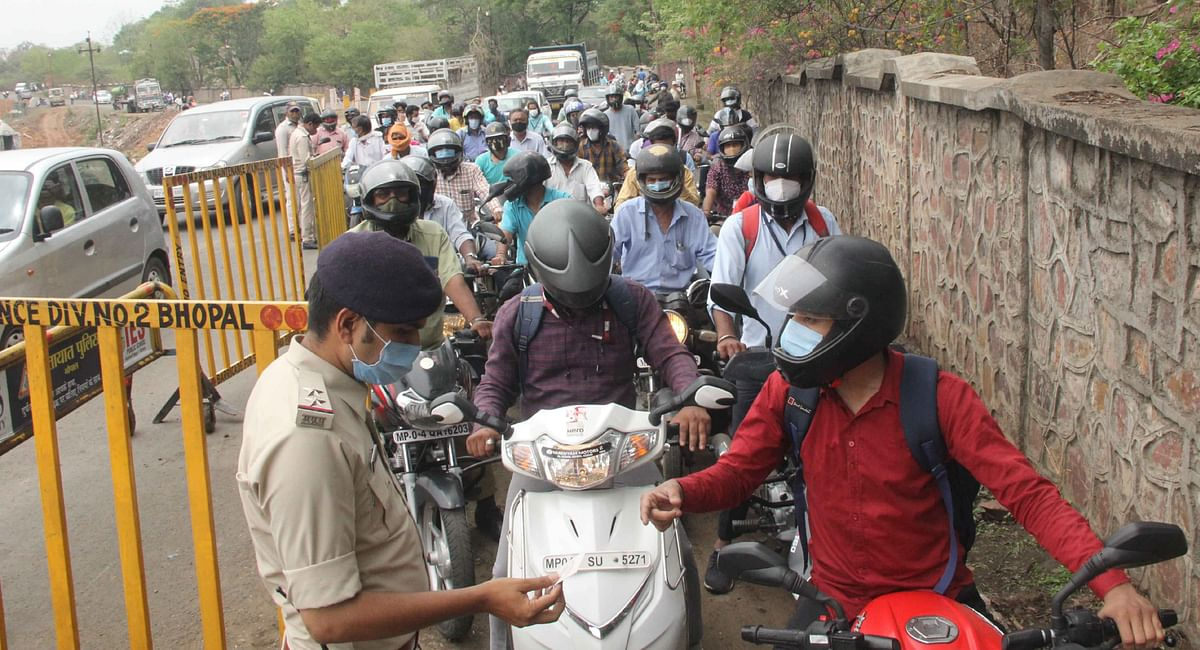 Bhopal: Checks by police much stricter this time around on the first-weekend lockdown after graded unlock began