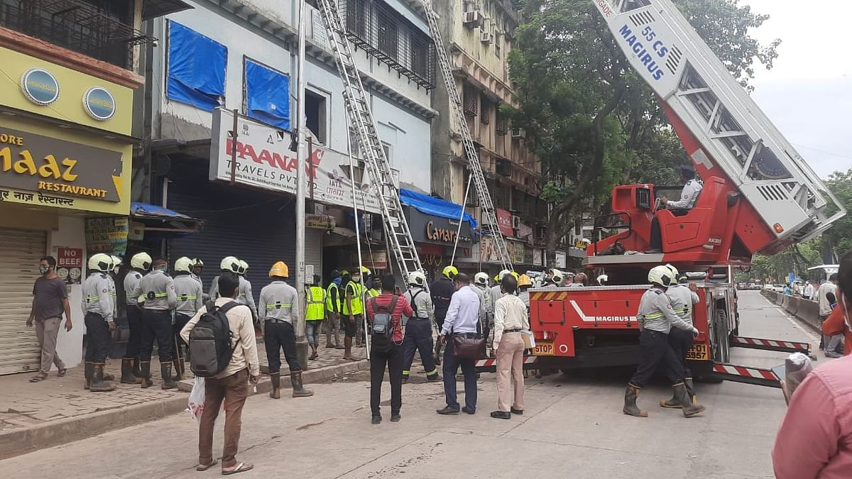 Mumbai: Portion of building collapses in Fort, 40 people rescued