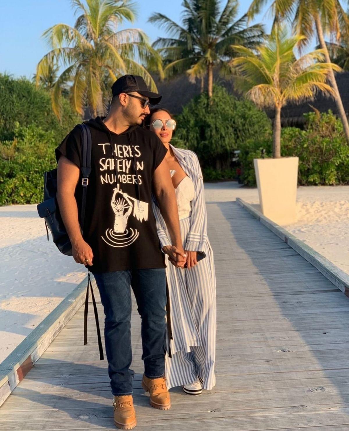The happy couple- Malaika Arora and Arjun Kapoor strolling