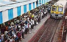 Mumbai: Two technical snags on CR disrupts train traffic