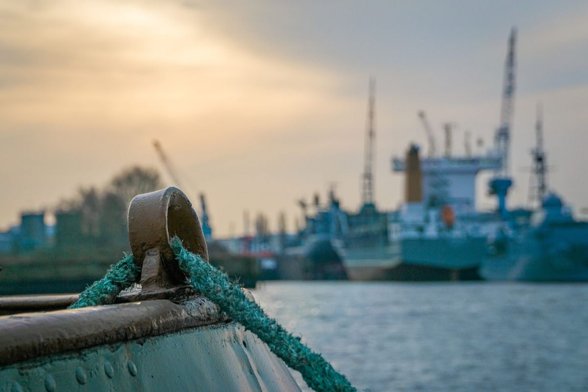 Customised saving account for seafarers: operate without fear of geo-coordinates and time zone differences
