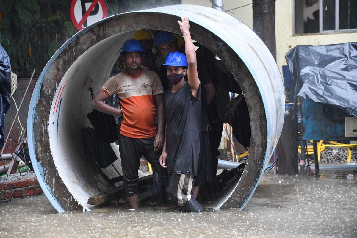 Mumbai: First monsoon rainfall  leaves city submerged