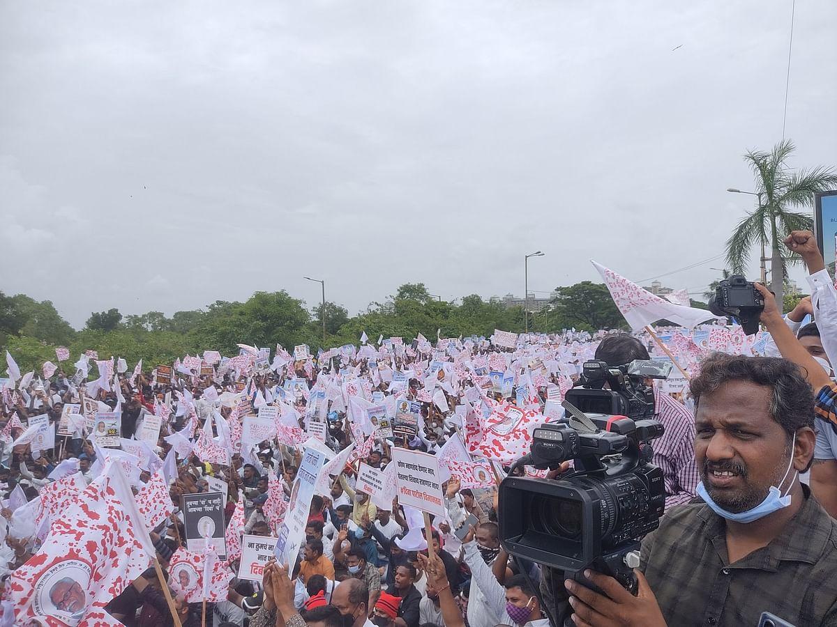 Social distancing goes for toss at Navi Mumbai airport protests; Twitterati react