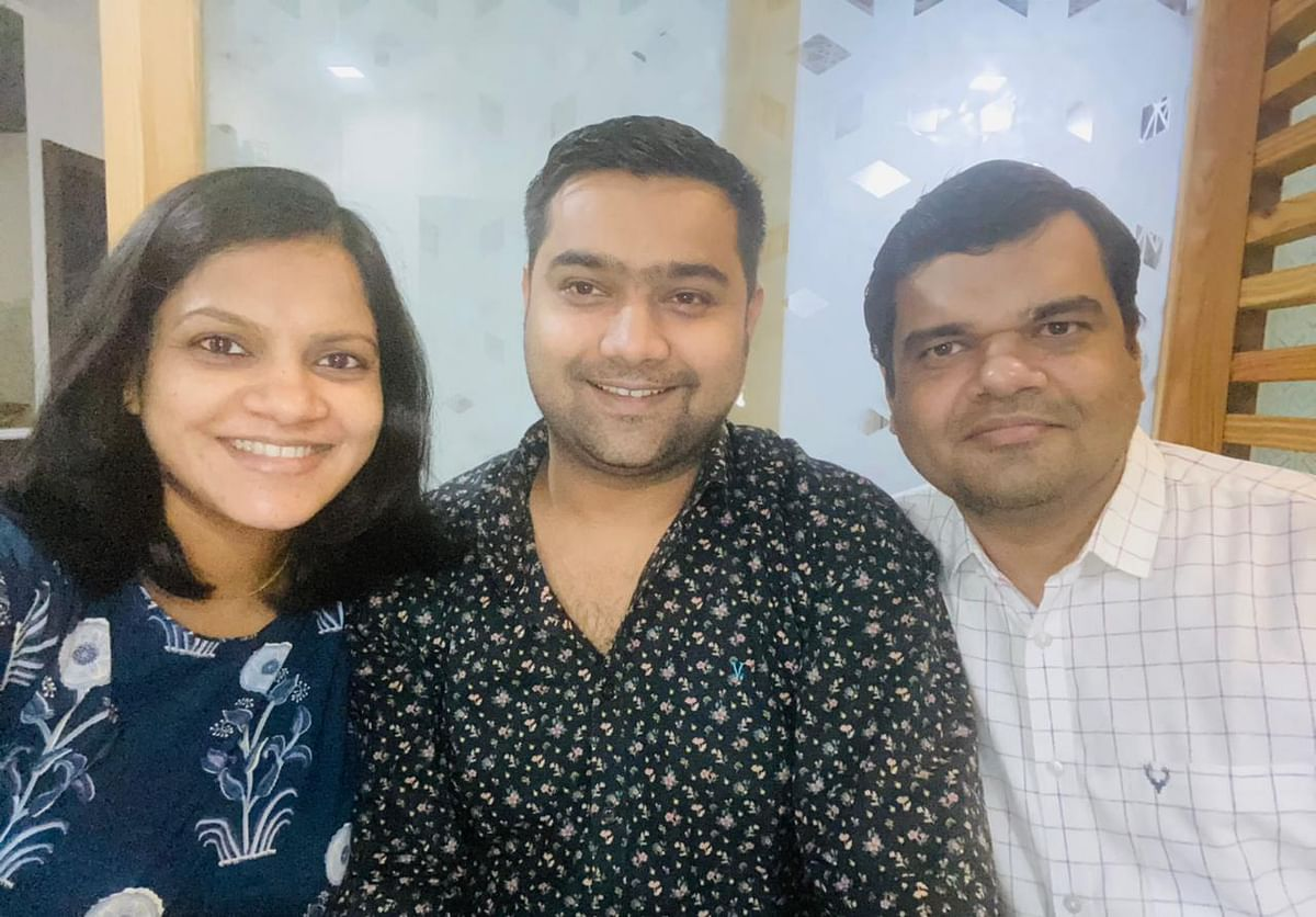 (From left) Dr Babita Niranjan Dubey with her husband Dr ashutosh Dubey  and brother Dr Sanjeev Niranjan.