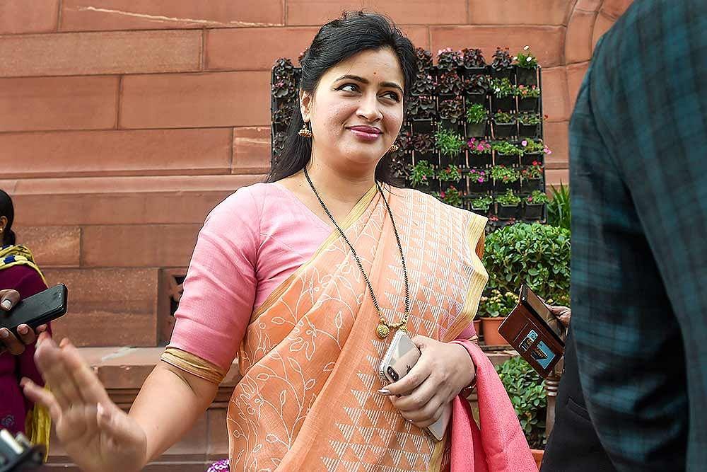 FPJ Legal | 'Cobbled up fake caste certificate': Bombay HC slaps MP Navneet Kaur-Rana with Rs 2 lakh fine