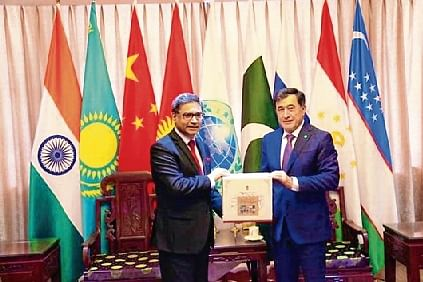 India presents 10 translated books of modern Indian literature to SCO