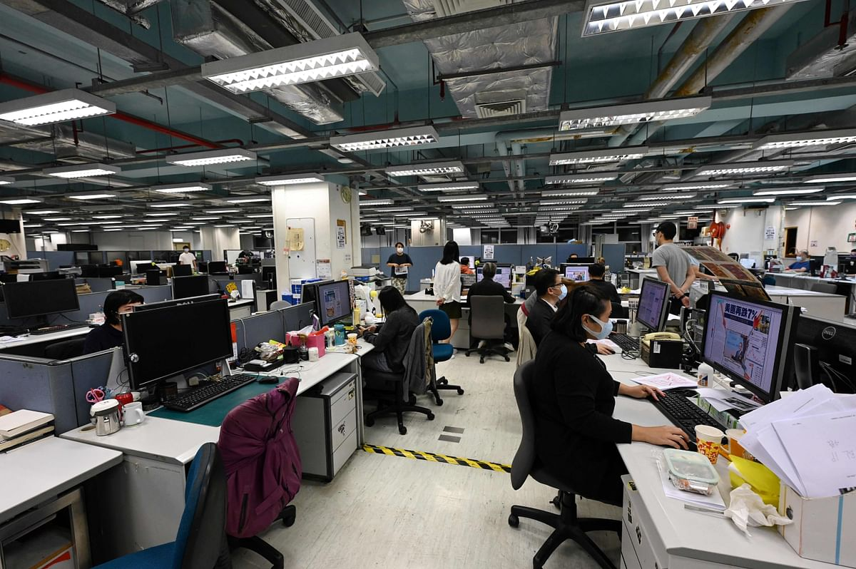 Days after arrest of editors, executives, Hong Kong's pro-democracy Apple Daily newspaper set to close by Saturday