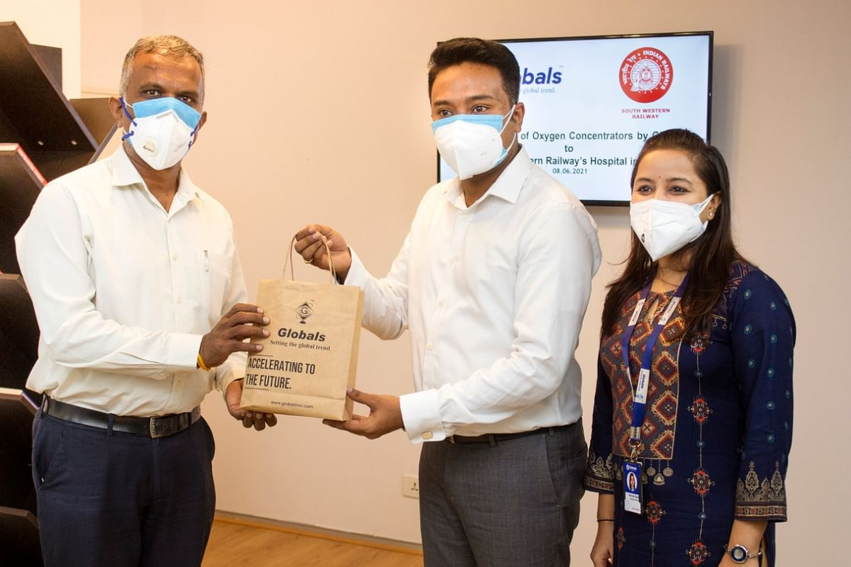 Globals Inc, donates 2 oxygen concentrators to Central Railway Hospital Hubballi