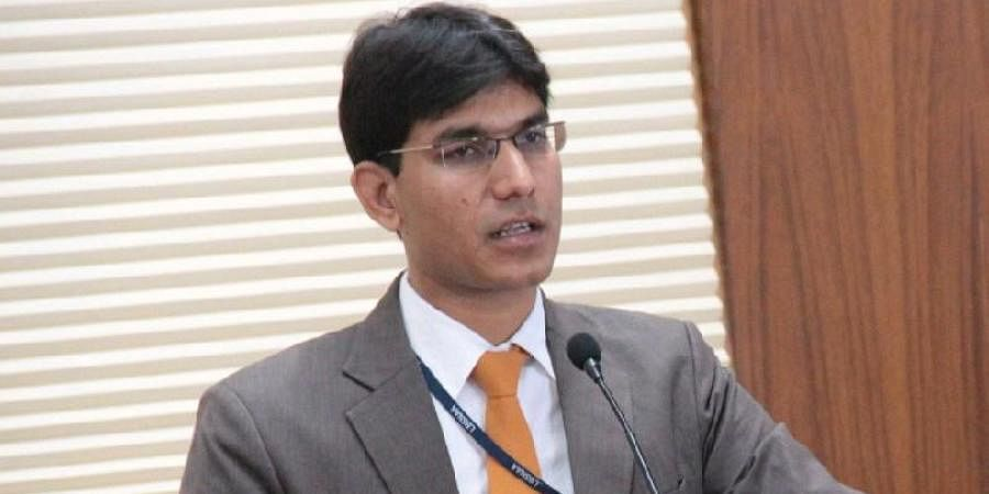 Bhopal: IAS officer Lokesh's post kicks up dust, makes allegations against Barwani collector