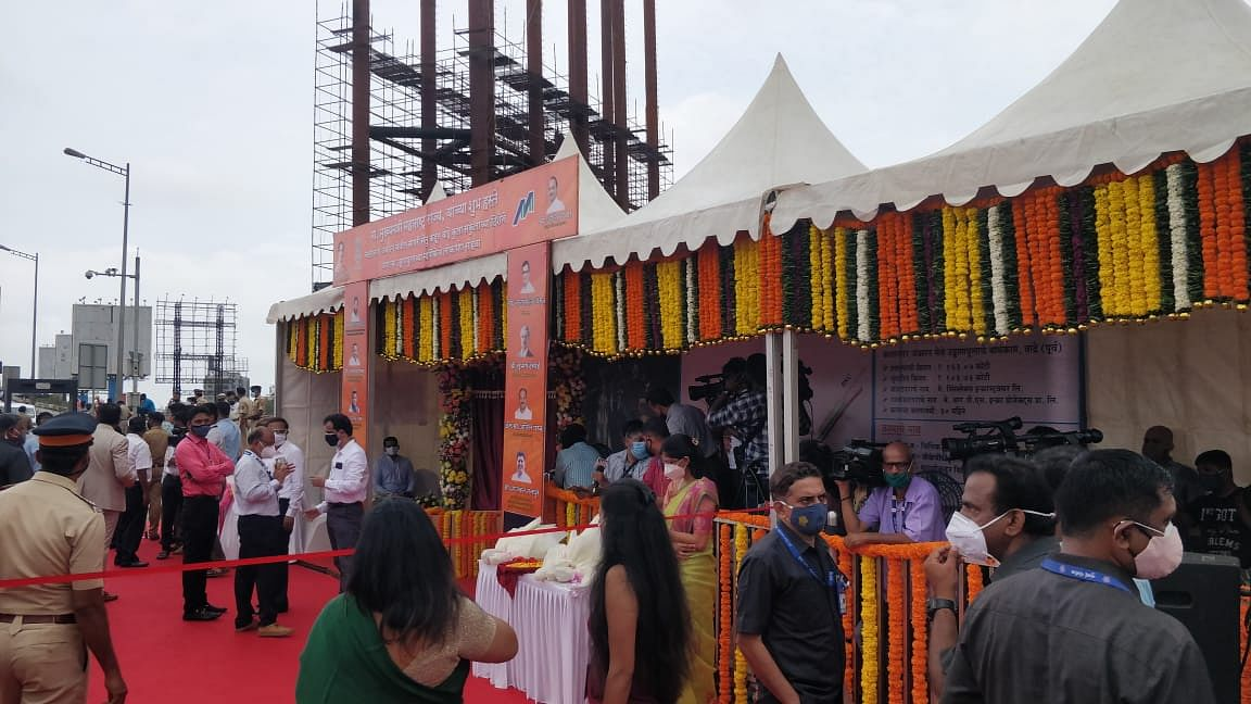 Apart from inaugurating the Sealink-BKC second arm flyover, MMRDA to also hand over the newly built 2,000 beds Covid care hospital to the BMC in presence of CM today.